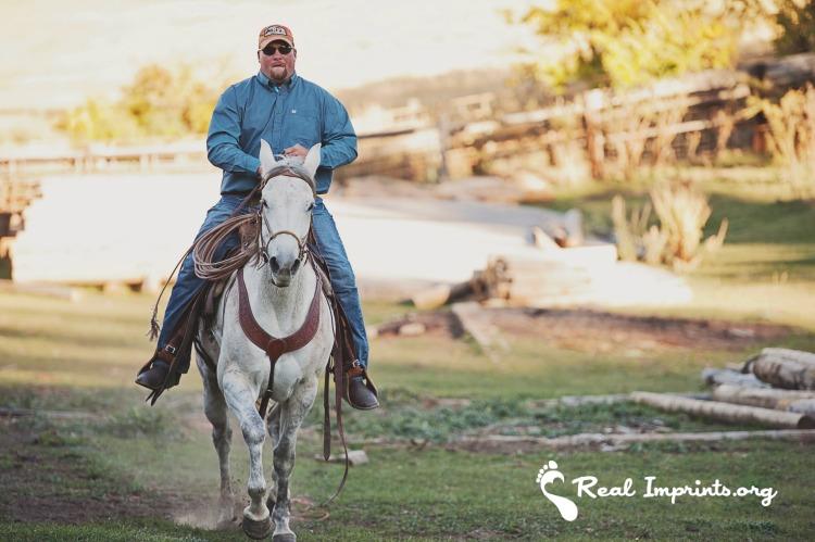 Drue riding horse