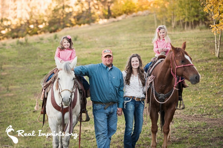 KayCee, Drue and the girls on horses