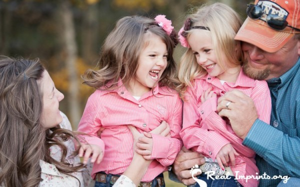 KayCee, Drue and the girls laughing