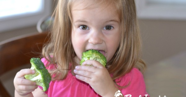 How I Got My Kids to Eat Raw Broccoli – The Perfect Healthy Summer Snack